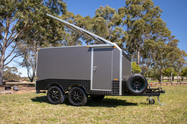 Charcoal Gray Enclosed Dual Axle Trailer 2000 Kg_s ATM (14 of 18)