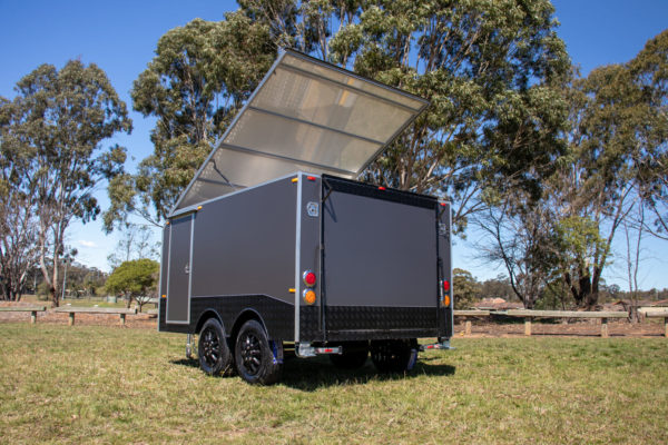 Charcoal Gray Enclosed Dual Axle Trailer 2000 Kg_s ATM (15 of 18)