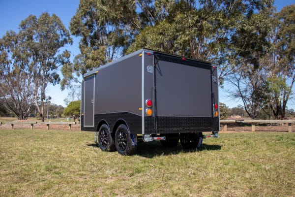 Charcoal Gray Enclosed Dual Axle Trailer 2000 Kg_s ATM (16 of 18)