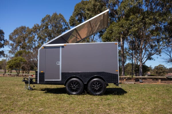 Charcoal Gray Enclosed Dual Axle Trailer 2000 Kg_s ATM (17 of 18)